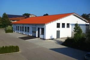 Gebäude 2: Das Firmengrundstück wurde erweitert und dank dem Gebäude 2 konnte KWS Kölle GmbH erneut die Produktionsfläche erweitern